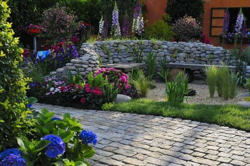 4 reasons why landscape design services are wasted money